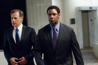 (Left to right)  Bruce Greenwood is Charlie Anderson and Denzel Washington is Whip Whitaker in FLIGHT,  from Paramount Pictures..F-05999