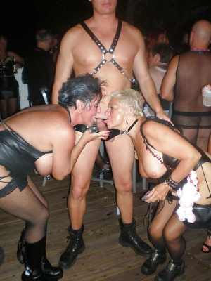 public sex at fantasy fest