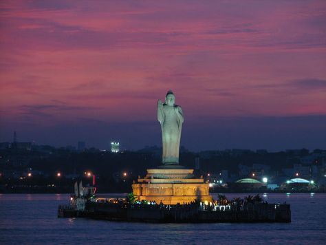Hussain Sagar Lake, Hyderabad Image courtesy- Alosh Bennett, Flickr