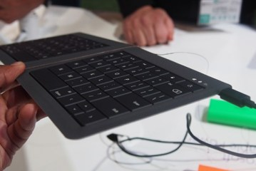 Microsoft concept foldable Bluetooth keyboard Review
