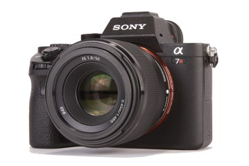 Sony FE 50mm f/1.8 Lense