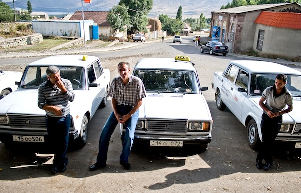 Lada 2107 Taxi Armenia. Picture courtesy of Asian Development Bank