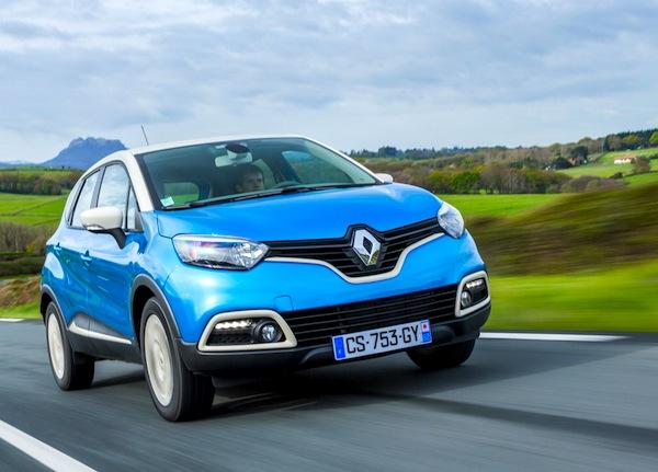 Renault Captur Portugal May 2015