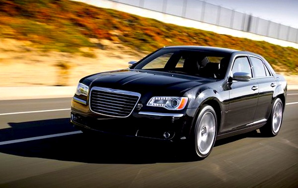 Chrysler 300 Kuwait June 2013