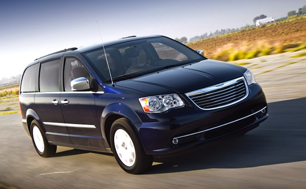 Chrysler Town & Country Canada August 2013. Picture courtesy of motortrend,com