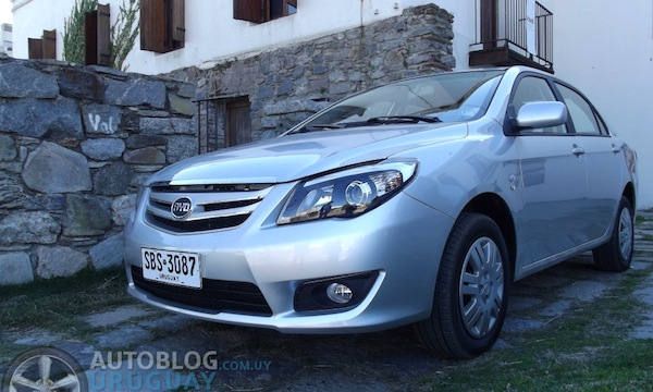 BYD New F3 Uruguay 2014. Picture courtesy of autoblog.com.uy