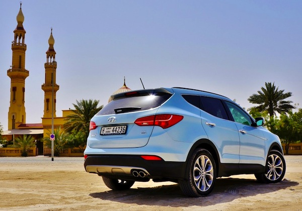 Hyundai Santa Fe Qatar March 2014. Picture courtesy of drivearabia.com
