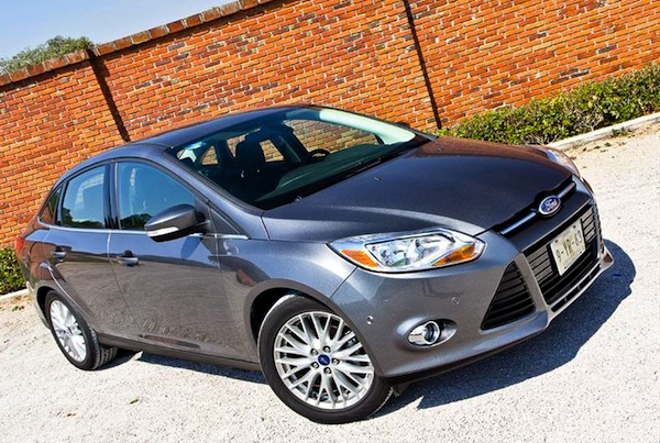 Ford Focus Argentina May 2014. Picture courtesy of autocosmos.com.ar