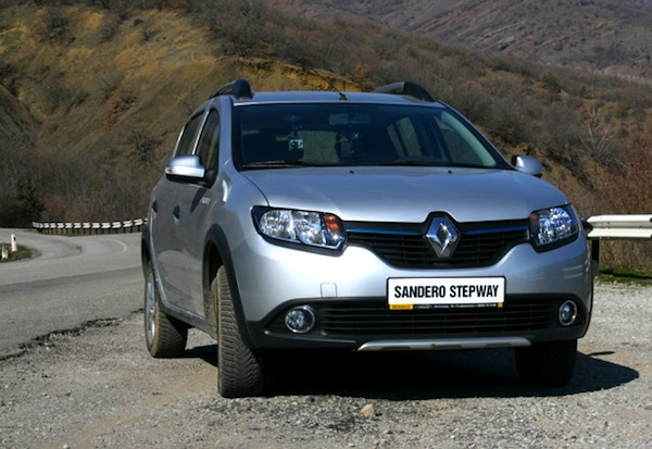 Renault Sandero Brazil May 2014. Picture courtesy of www.auto.am4