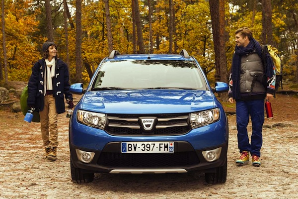 Dacia Sandero Stepway Romania June 2015
