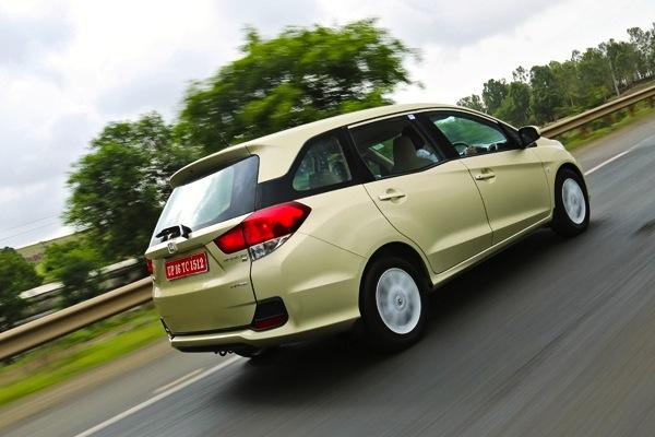 Honda Mobilio Indonesia August 2014. Picture courtesy of zigwheels.com