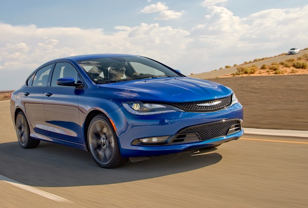 Chrysler 200 Canada October 2014. Picture courtesy of motortrend.com