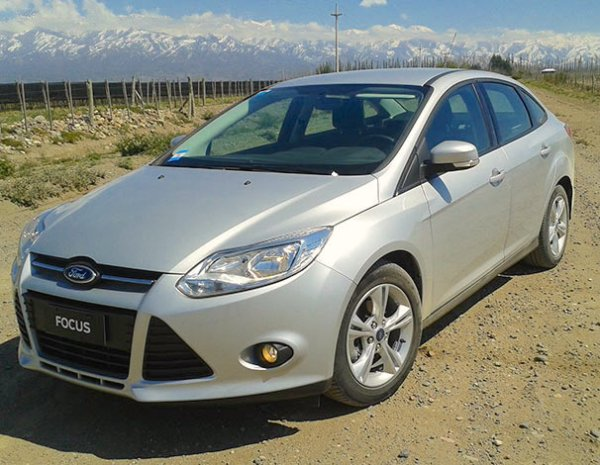 Ford Focus III Argentina March 2015. Picture courtesy cuyomotor.com.ar