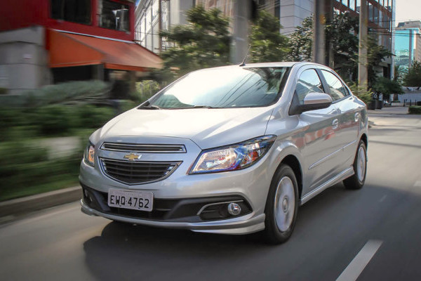 Chevrolet Prisma Brazil October 2015. Picture courtesy carplace.uol.com.br
