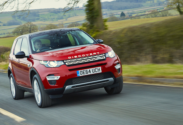 Land Rover Discovery Sport UK 2015