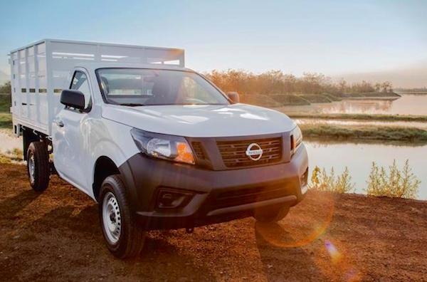 Nissan Pickup Mexico November 2015. Picture courtesy autocosmos.com.mx