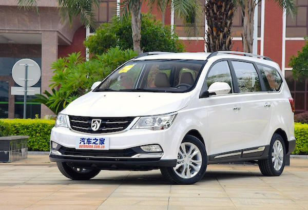 Baojun 730 China December 2015. Picture courtesy autohome.com.cn