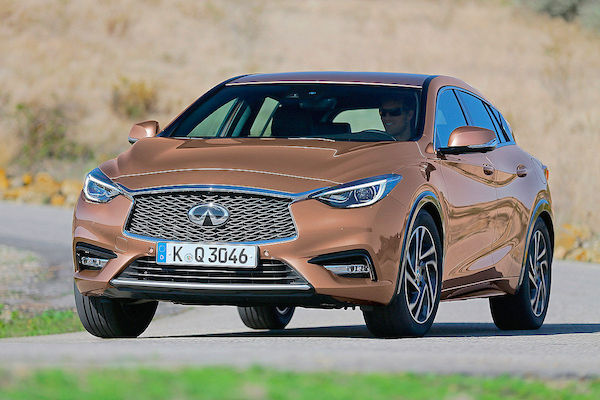 Infiniti Q30 Germany January 2016. Picture courtesy autobild.de