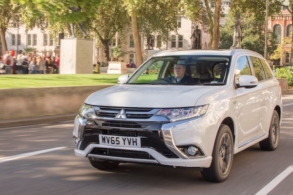 Mitsubishi Outlander PHEV Norway July 2016