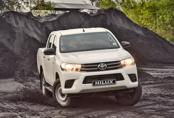 Toyota Hilux Malaysia May 2016