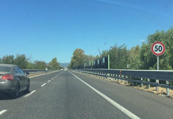 Autostrada 50kph limitation Sardinia