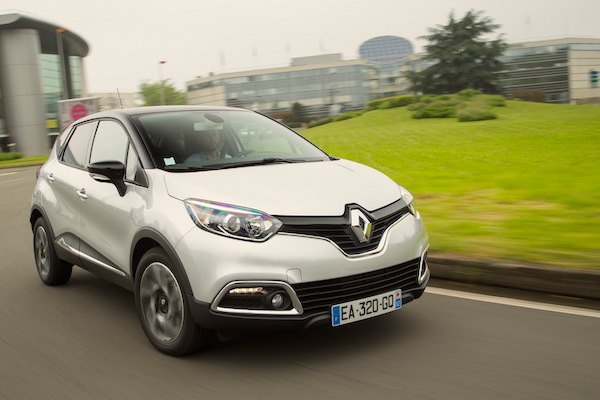 renault-captur-europe-november-2016-picture-courtesy-largus-fr