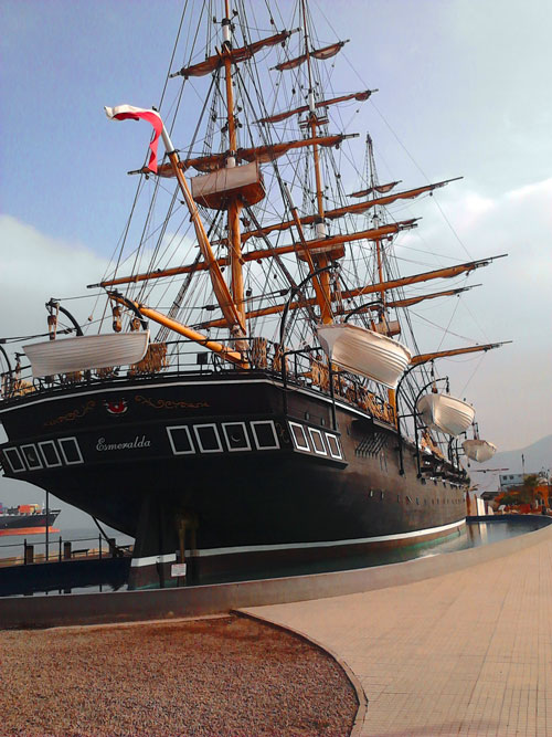 O navio-museu Esmeralda, parte importante da história de Iquique e do Chile
