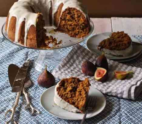 bourbon-vanilla-fig-bundt-cake-recipe-serving