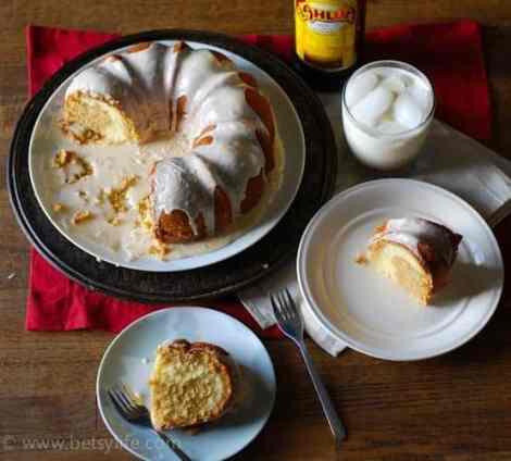 white-russian-bundt-cake-serving