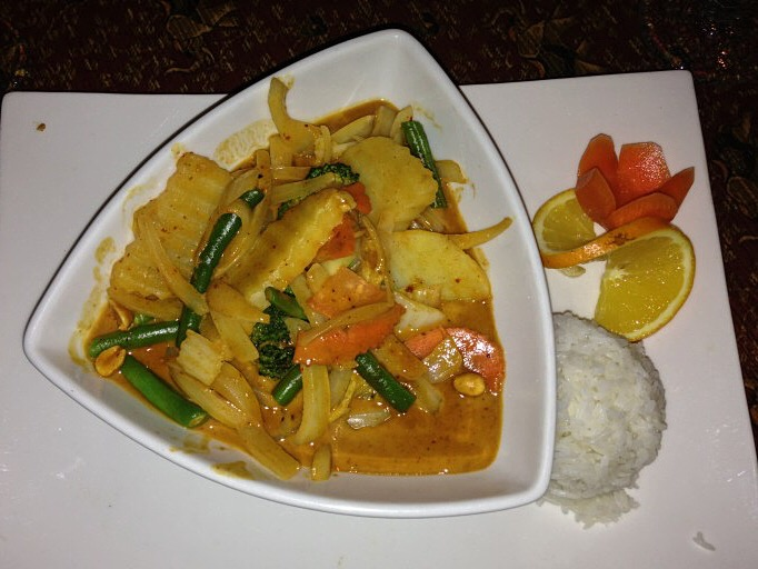 white elephant thai food huntingdon valley jay curry