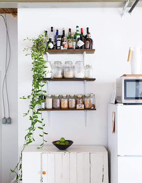 living-clever-storage-space-design-in-18-pins-apartment-3