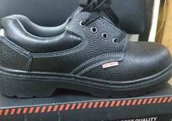 safety shoes new stock