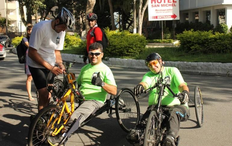 Além da criação dos Guias, nesse DBM ocorreu a participação de dois hand-bikes que chegaram à praia