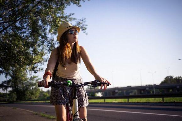 ロードバイク初心者の女性におすすめな車体・グッズ
