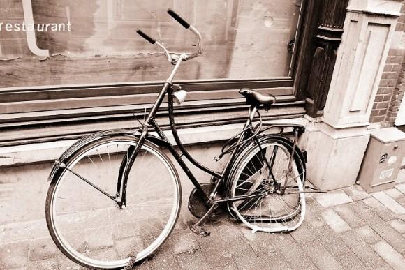 自転車のパンク修理について、相場とか、お店の対応とか…