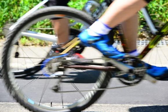 クロスバイクのホイールをカスタムして速度アップを図る!