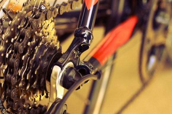 自転車のチェーンのテンション調整の必要は?やり方と注意点