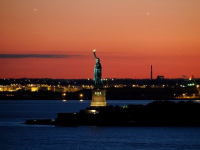 Miss Liberty is hot this evening…