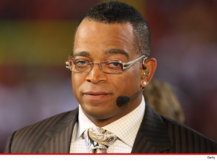Stuart Scott Dead at 49 After Brave Battle Against Cancer
