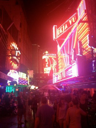 The bright lights of Soi Cowboy (Bangkok, Thailand)