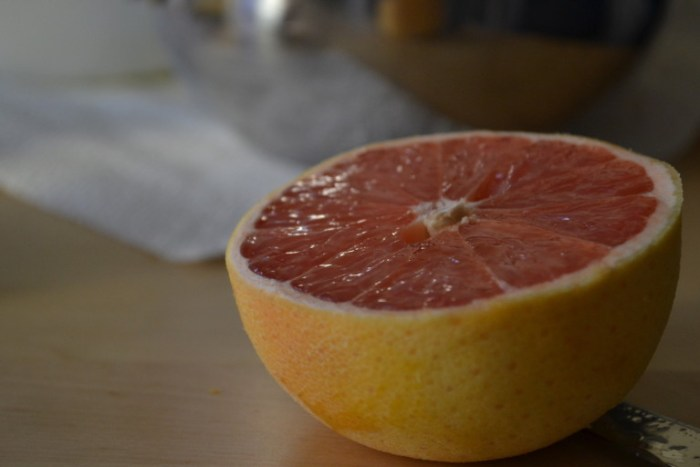 Bright seasonal citrus makes winter worth it. Recipe for grapefruit curd on BigTasteTinySpace.com
