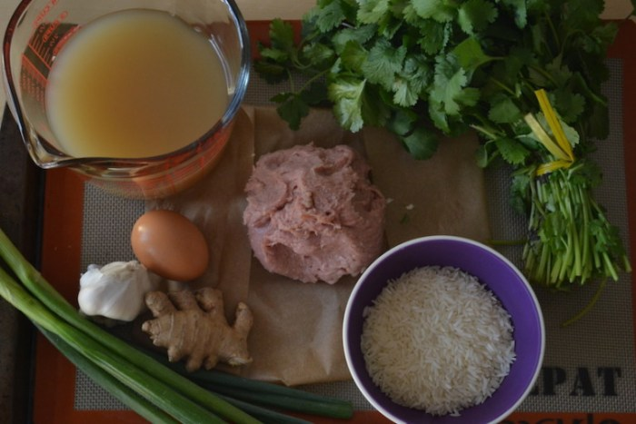 Less than 10 ingredients for easy chicken meatballs. Full recipe on BigTaseTinySpace.com