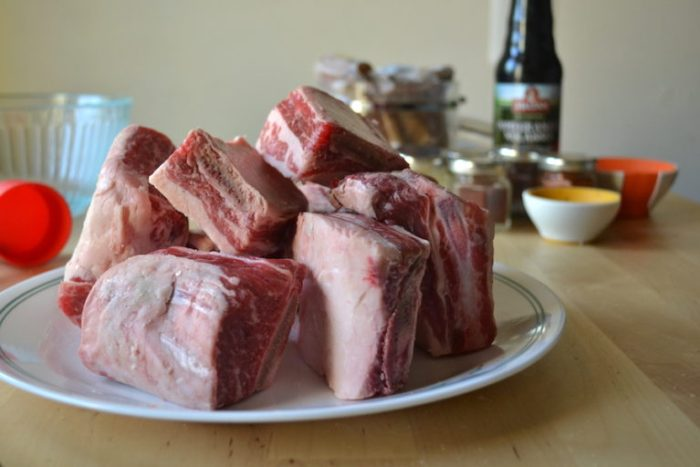 I like short ribs but any cut of meat will work for my Pomegranate Ribs. Full recipe on BigTasteTinySpace.com