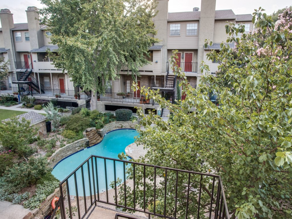M-Streets Condo For Sale By Big Texas Home Buyers
