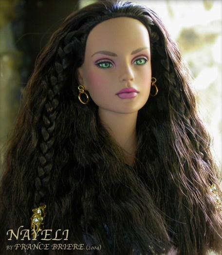 Tonner Nayeli 04