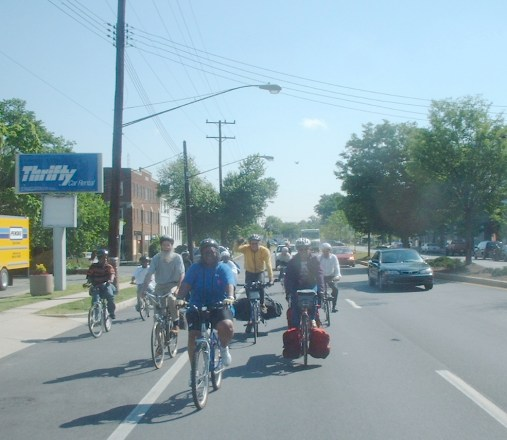 Mayor Miles leads group of cyclists towards the border
