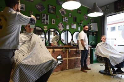 Lifestyle: Samans Barber Shop! - Bikes, Music & More