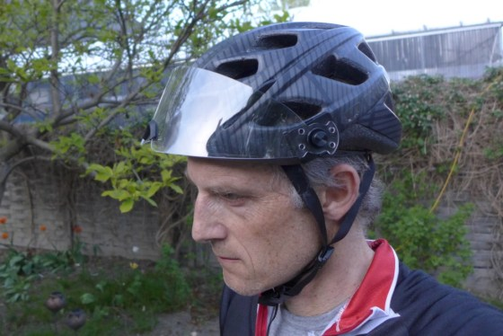 On the helmet Giro, fixing is stronger.