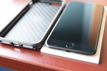 otterbox-symmetry-series-iphone-7-plus-dsc_1824