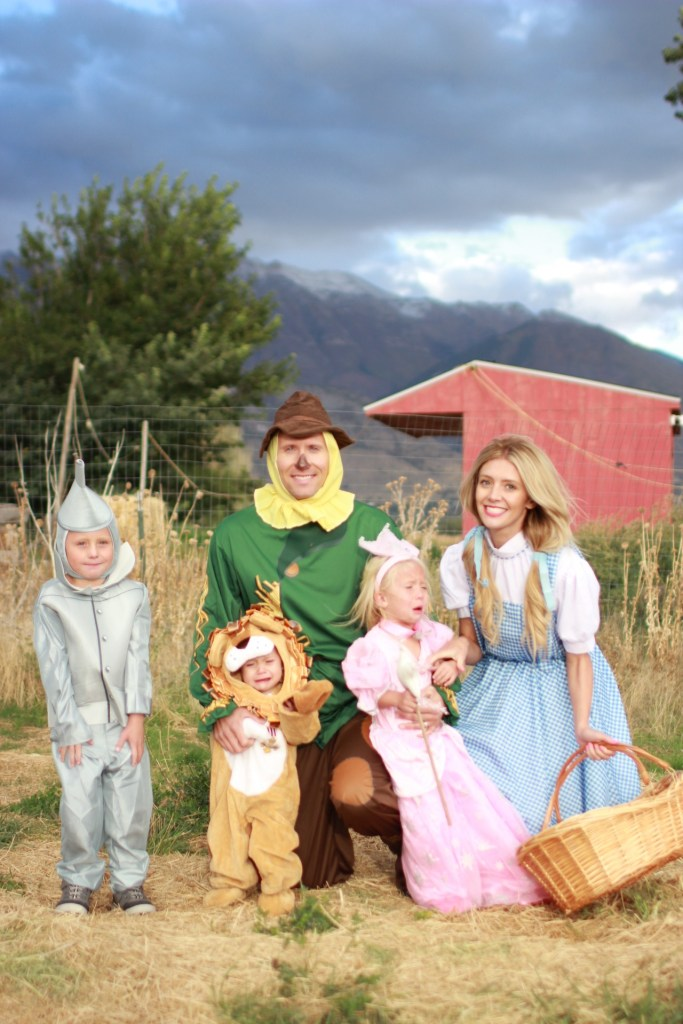 family-wizard-of-oz-theme-costumes